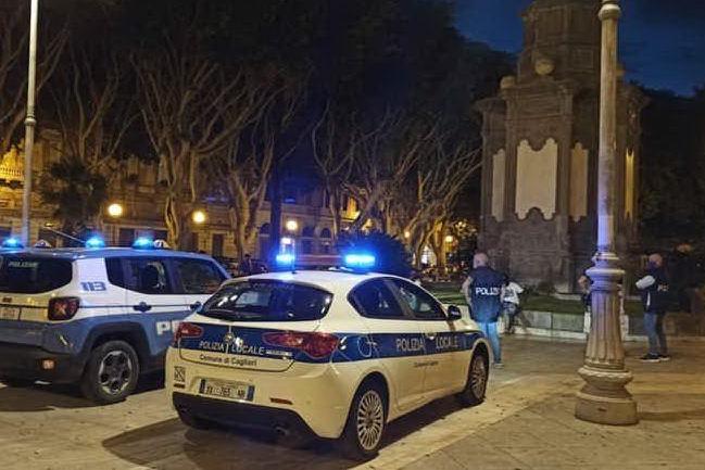 Ultimo weekend prima della zona rossa: a Cagliari assembramenti e ragazzi senza mascherine