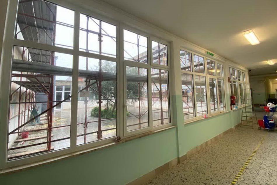 Terralba: dopo 30 anni sono stati cambiati gli infissi delle scuole medie di via Sardegna
