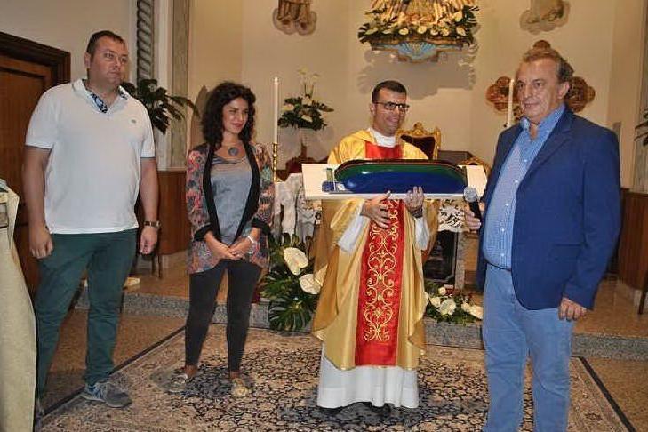 Don Piras saluta la parrocchia di Stintino: nuovo incarico a Sassari