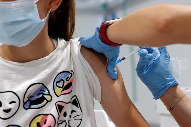 Covid, la Sardegna è prima in Italia per studenti vaccinati