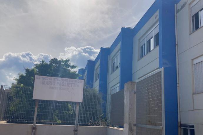 Porto Torres: caso di Covid al Paglietti, avvio della scuola con la quarantena
