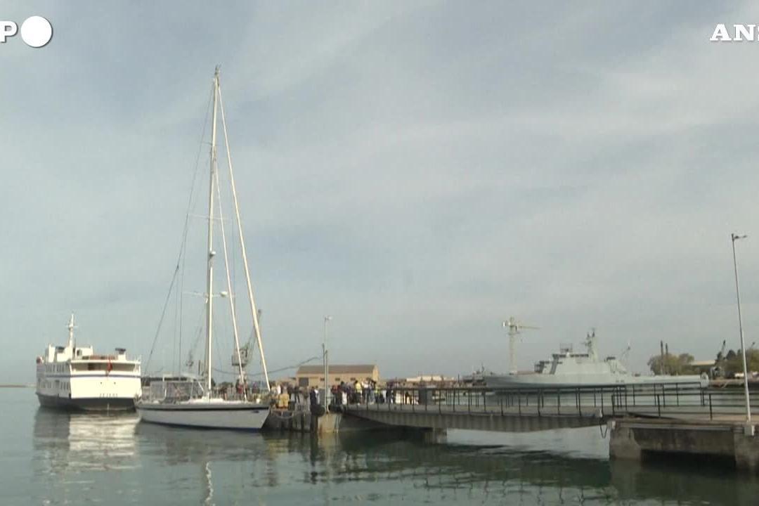 Portogallo, intercettata un'imbarcazione con cinque tonnellate di cocaina