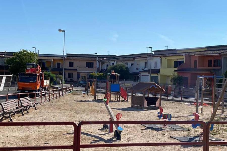 Ardara, al via i lavori di rifacimento del parco giochi di piazza Antonio Segni