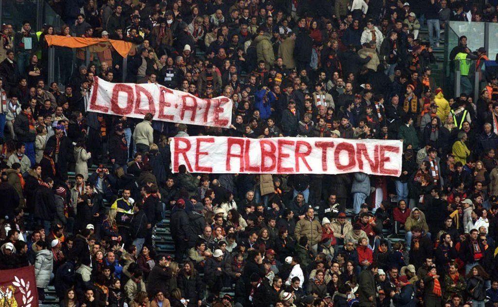 I tifosi della Roma omaggiano Alberto Sordi
