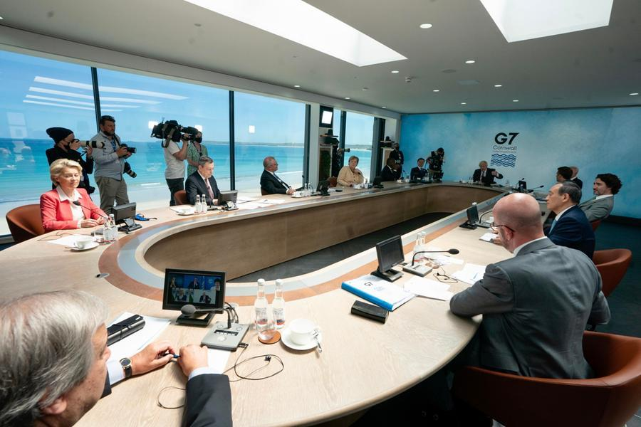 I leader al tavolo del G7 (Ansa)