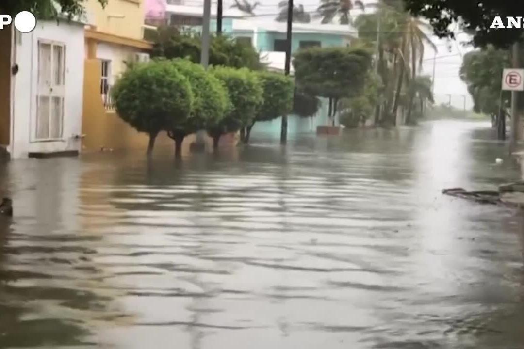 Messico, la devastazione dopo il passaggio dell'uragano Pamela