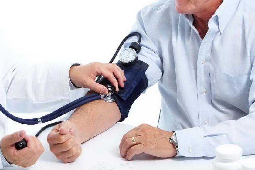Cardiologia e ipertensione: misurare la pressione salva la vita