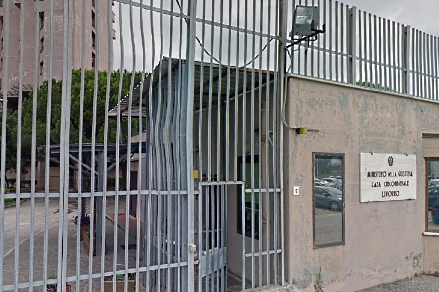 Livorno, 43enne sardo sorpreso a rubare in chiesa. Ma non è la prima volta: in cella