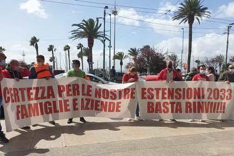 Cagliari, balneari in piazza per chiedere la proroga delle concessioni