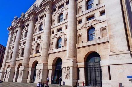 Piazza Affari chiude in positivo: Ftse Mib +0,81%