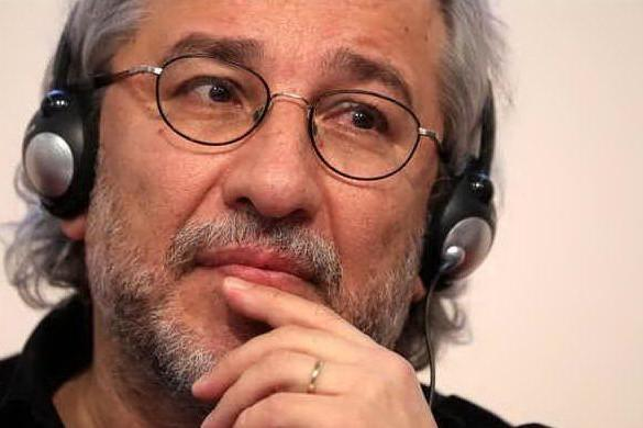 Istanbul, giornalista Can Dundar condannato a 27 anni di carcere