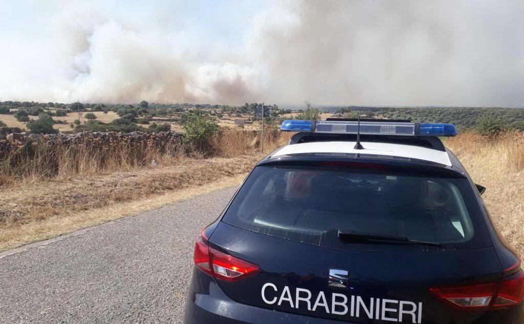 L'incendio di Dualchi (Ansa - Carabinieri Nuoro)