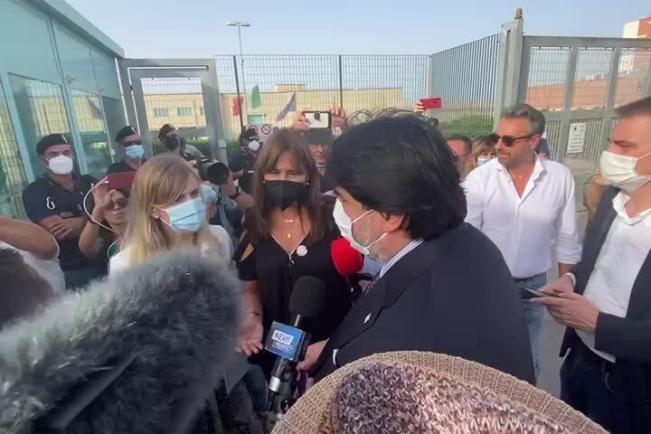 Solinas a Bancali per Puigdemont, cori di contestazione