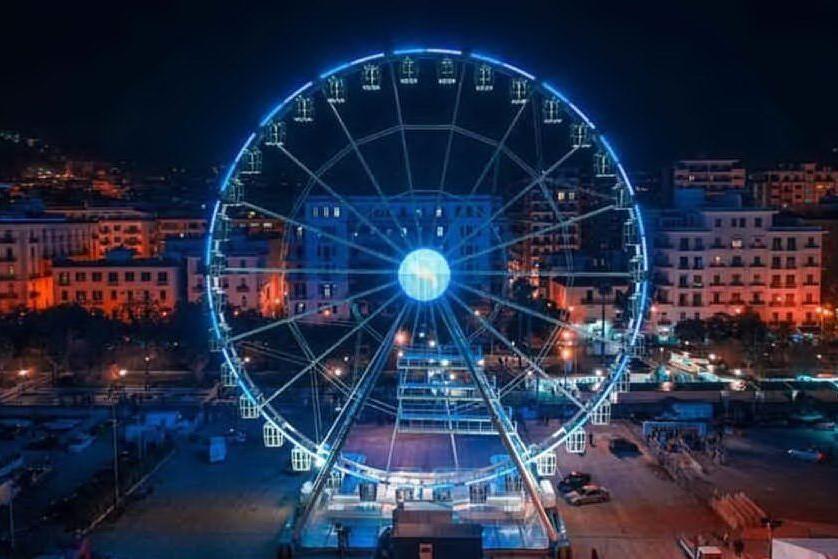 Cagliari, lavori in corso per la nuova ruota panoramica al porto