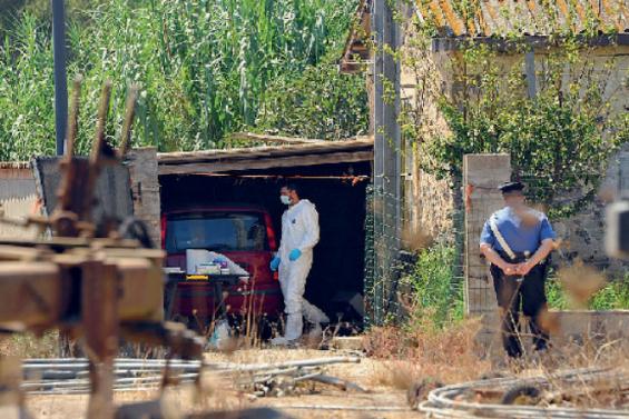 Arborea, l'ex sottufficiale ucciso con 7 coltellate. Il racconto del nipote non convince gli inquirenti