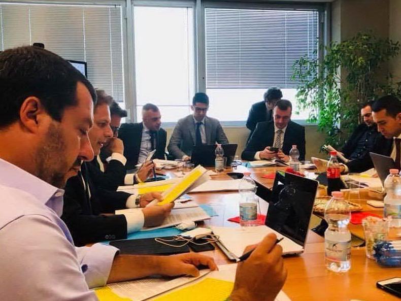 """Lega-M5S, pronta la prima bozza del contratto. """"Impegno a rinegoziare i trattati Ue"""""""