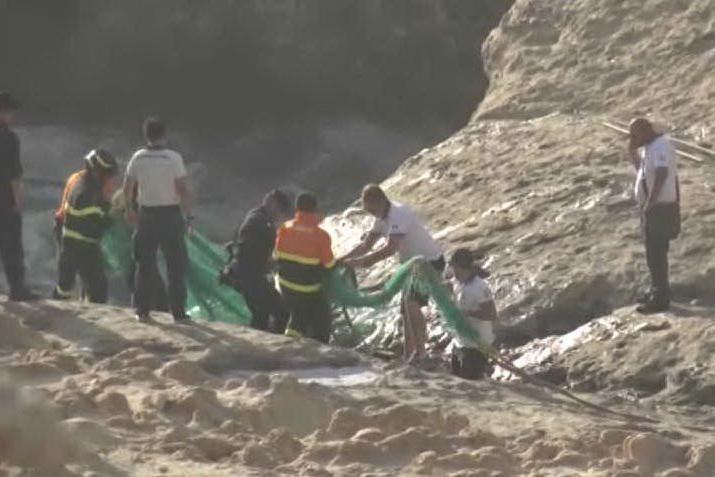 """La tragedia di S'Archittu: """"L'uomo annegato è un turista russo"""""""