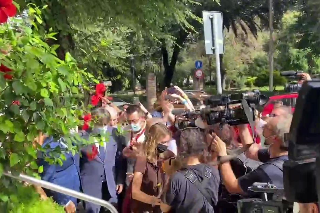 Puigdemont entra al municipio di Alghero