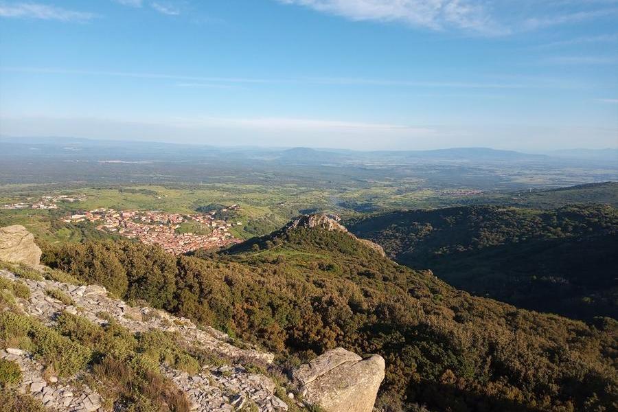 Panorama dalle cime del Montiferru (foto Pintus)