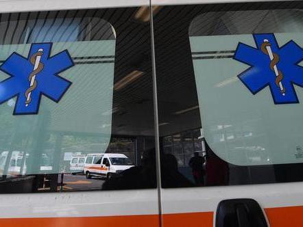 Incastrata nella fustellatrice, muore operaia 40enne