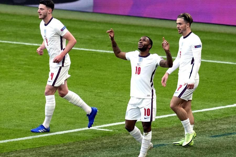 L'Inghilterra batte la Repubblica ceca: decide ancora Sterling. Croazia-Scozia 3-1