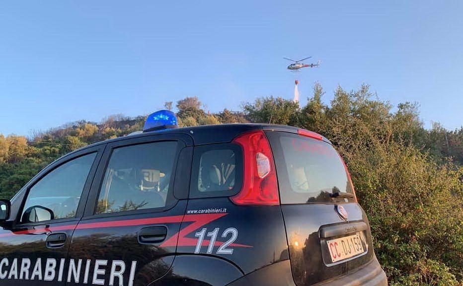 Elicotteri in azione a Cea (Foto Carabinieri)