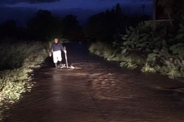 Guasto alla condotta: campi sott'acqua a Villacidro