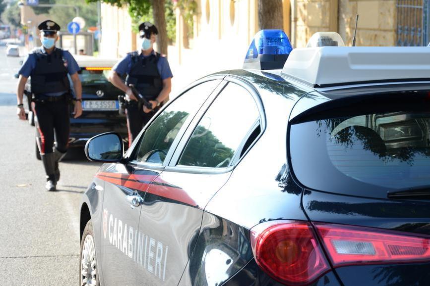 Cade in motorino in piazza a Villanovafranca: doveva stare a casa in quarantena per Covid