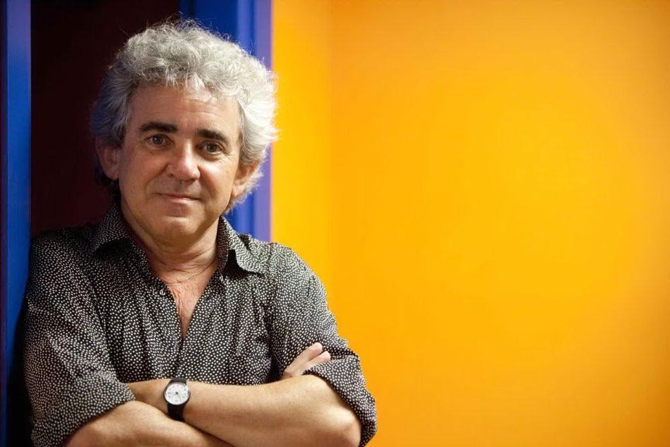 Lo scrittore sardo Bruno Tognolini nella cinquina del Premio Strega