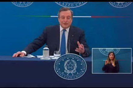 """Draghi: """"Con che coscienza un giovane salta la lista?"""""""
