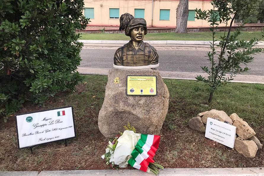 Teulada, l'esercito onora il maggiore Giuseppe La Rosa