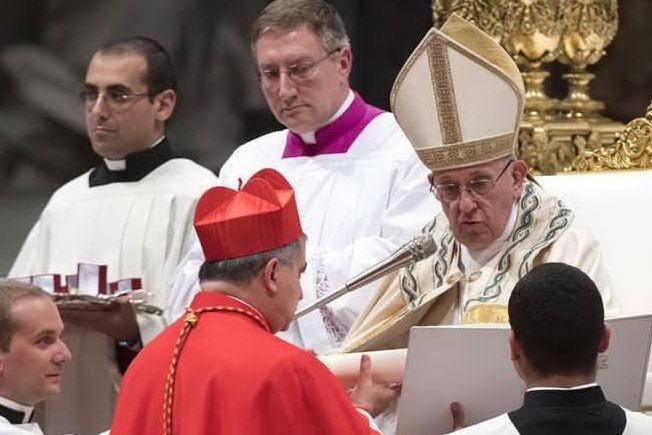 Il cardinale Becciu e il Papa