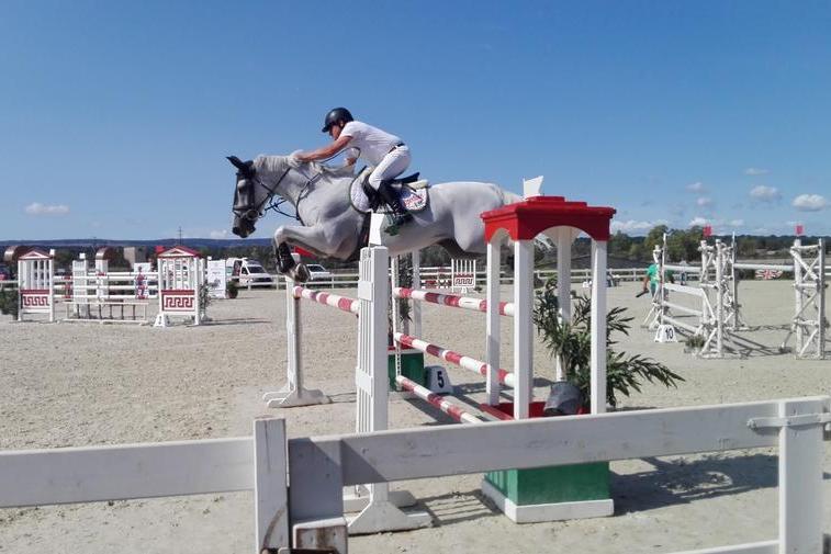 Equitazione, quasi 300 cavalli in gara al Sardegna Jumping Tour di Abbasanta