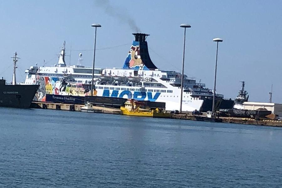 La Moby Otta mentre attracca a Cagliari