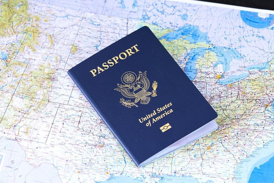 Negli Stati Uniti emesso il primo passaporto con la X per indicare il terzo genere