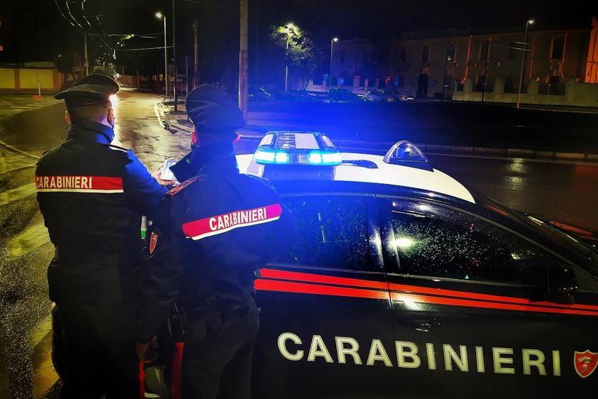 Col fucile illegale nascosto in un lenzuolo: arrestato a Dolianova