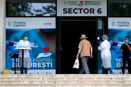 Pochi vaccinati,tanti morti. Ospedali pieni eritorno dei lockdown: l'esempio dell'Est Europa