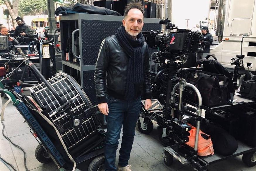 Il regista Alfredo Moreno durante una\u00A0pausa del film (foto L'Unione Sarda - Tellini)