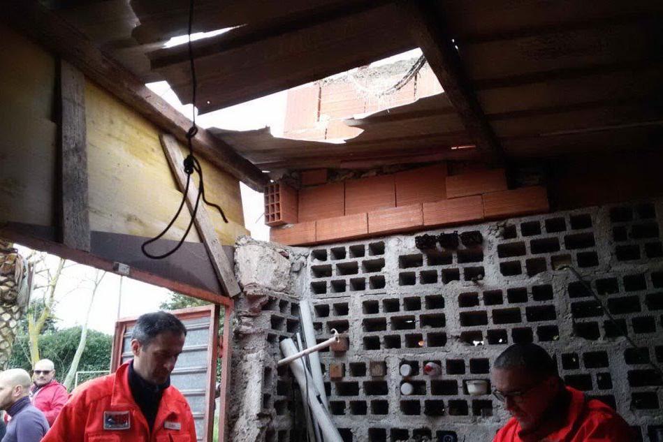 Ittiri, precipita dal tetto di un capanno: è gravissimo un pensionato di 85 anni