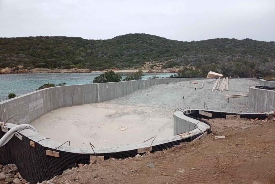 La piscina di Liscia di Vacca sotto sequestro (foto Busia)