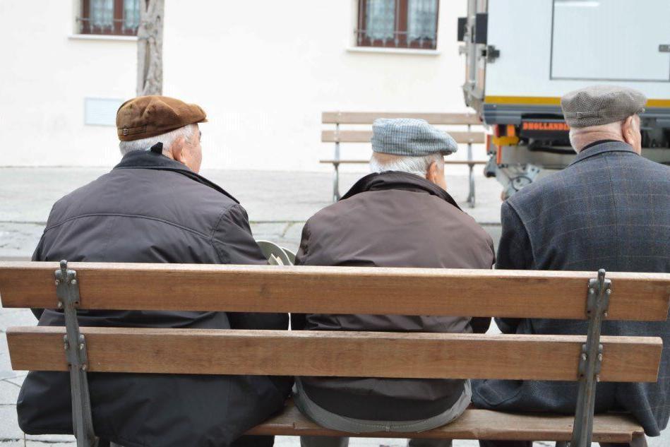 Anziani (Archivio L'Unione Sarda)