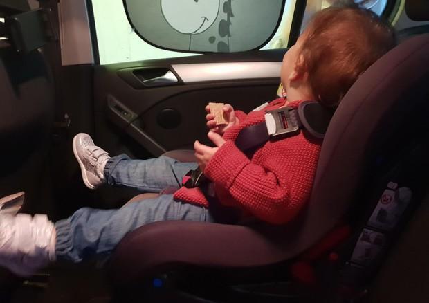 Ore in auto legato al seggiolino sotto il sole cocente, muore bimbo di cinque anni - L'Unione Sarda.it