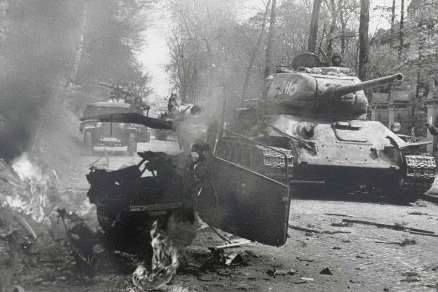 #AccaddeOggi: 20 aprile 1945, le truppe sovietiche entrano a Berlino