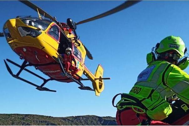 Escursionista precipita nel dirupo emuore: il corpo trovato all'alba
