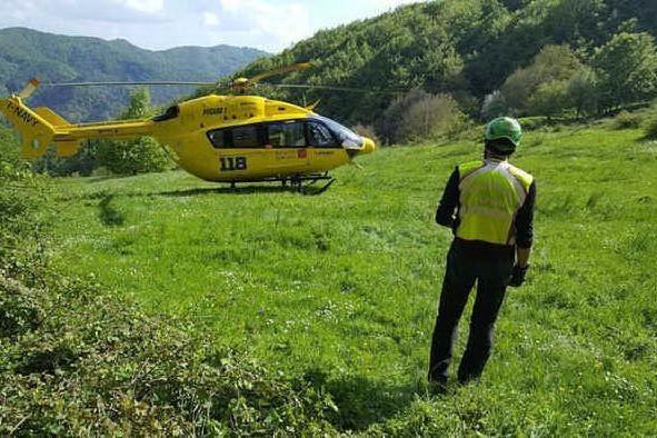 Cade dal sentiero e precipita per 400 metri, muore un 45enne