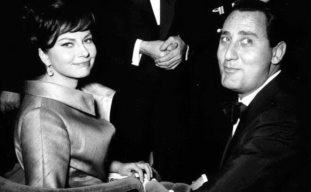 Con Soraya, seconda moglie dello scià di Persia, nel 1955