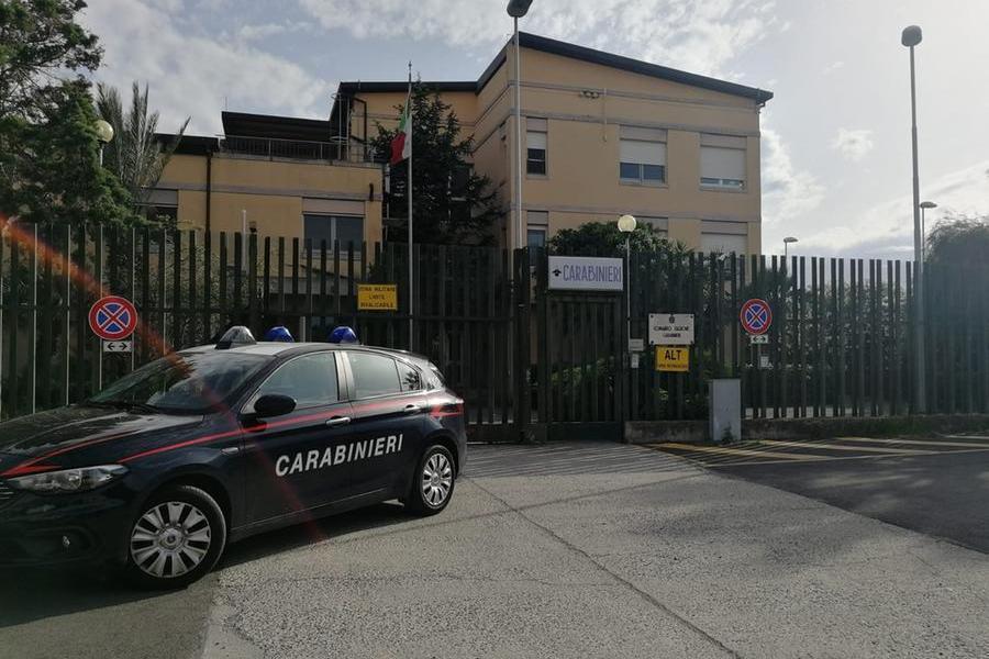 Monserrato, 17enne spaccia davanti a scuola: denunciato e riaccompagnato a casa dei genitori