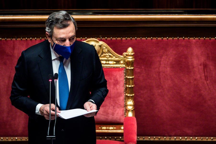 """Covid, Draghi: """"Curva sotto controllo grazie ai cittadini. Il Regno Unito insegna che bisogna uscirne con gradualità"""""""