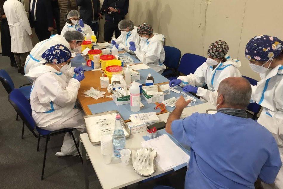 Alla Fiera di Cagliari la campagna di tamponi e vaccini