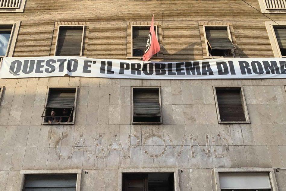 """Basta odio"": Facebook oscura Casapound e Forza Nuova"